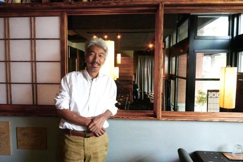 コマチゲームズを創業した中島聡氏。一般社団法人シンギュラリティ・ソサエティ代表理事。中島氏の家族がシアトル市内で経営する日本食レストラン「Adana」にて