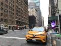 タクシーを攻めるテスラ 自動運転サービスへの布石か