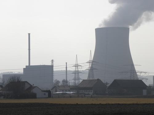 ドイツ南部で運転中の、イザー原子炉2号機。2022年12月に廃止される(筆者撮影)