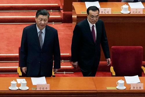 2022年秋に予定される中国共産党大会後の李克強氏(右)の処遇が注目される(AP/アフロ)