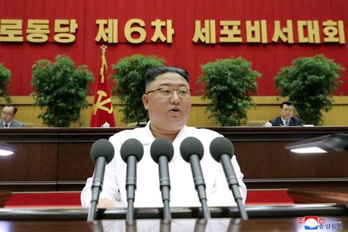 金正恩は祖父や父以上に「党細胞」を重視している(提供:KNS//KCNA/AFP/アフロ)