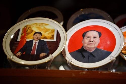 「それどころじゃないよ。(習近平は)鄧小平を超え、できれば毛沢東を超えたいと思っている」(写真:AFP/アフロ)