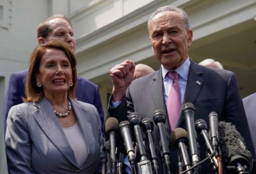 民主党幹部も対中強硬姿勢ではトランプ大統領と歩調を合わせる。左はペロシ下院議長、右はシューマー上院院内総務(写真=ロイター/アフロ)
