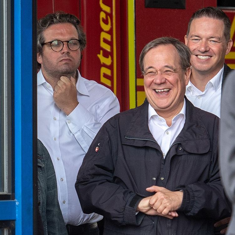 ドイツで史上最悪規模の水害、次期首相を決める分水嶺