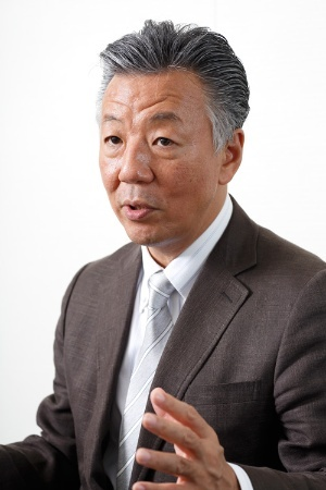 "<span class=""fontBold"">瀬口 清之(せぐち・きよゆき)</span><br />キヤノングローバル戦略研究所 研究主幹<br>1982年東京大学経済学部を卒業した後、日本銀行に入行。政策委員会室企画役、米国ランド研究所への派遣を経て、2006年北京事務所長に。2008年に国際局企画役に就任。2009年から現職。(写真:丸毛透)"