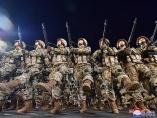 北朝鮮の軍事パレードで新設治安部隊が登場