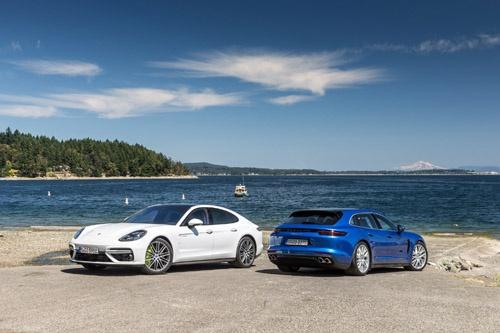 新型パナメーラ。セダンタイプとワゴンタイプの「スポーツツーリスモ」の2つのボディタイプがある。欧州ではプラグインハイブリッド比率が60%という。(写真:Porsche AG)