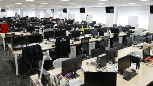 新型コロナウイルスの感染拡大を受け、在宅勤務にした企業は多い(写真:共同通信)