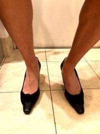 8センチヒール靴を履いた息子は「膝が曲がっちゃって立ってられないよ! なんだこれ!」と悲鳴をあげた