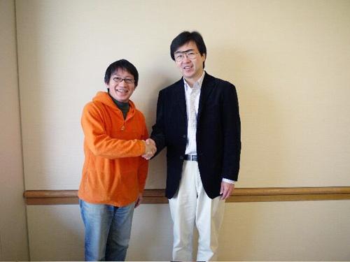 藤野社長(右)と。