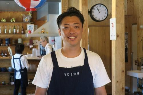 ちばる食堂を立ち上げたマスターの市川貴章氏。介護福祉士として17年間働いていた。