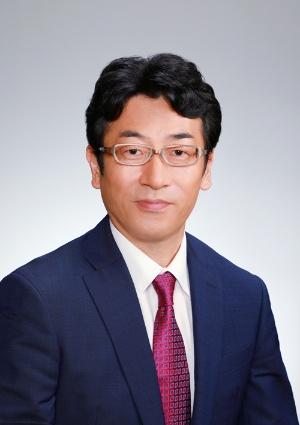 "<span class=""fontBold"">矢嶋康次(やじま・やすひで)氏</span><br> 1968年生まれ。92年東京工業大学無機材料工学科卒業、日本生命保険相互会社入社。95年からニッセイ基礎研究所研究員。08年主任研究員、12年より現職。"