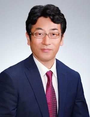 "<span class=""fontBold"">矢嶋康次(やじま・やすひで)氏</span><br />1968年生まれ。92年東京工業大学無機材料工学科卒業、日本生命保険相互会社入社。95年からニッセイ基礎研究所研究員。2008年主任研究員、12年より現職。"