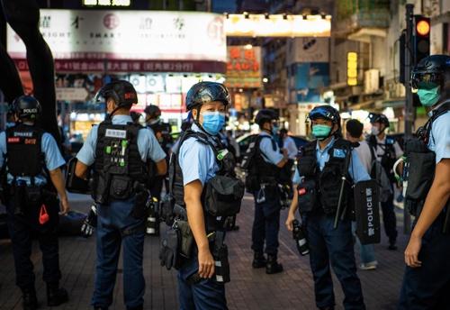抗議活動が行われることが予測される日には多くの警察官が街頭に配置される(撮影:KaoruNg)