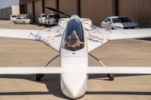 やってきた痛飛行機。レイモンドさんのバリ・イージー(Photo: futaba_afb)。