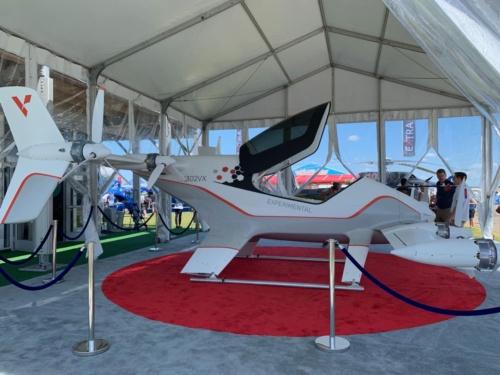 今回のショーに来ていた電動・垂直離着陸の「空飛ぶクルマ」系の機体。