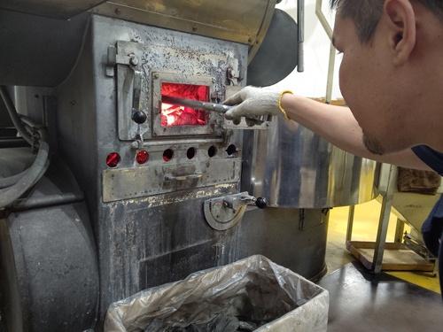 創業90年を超える萩原珈琲は炭火焙煎にこだわってきた