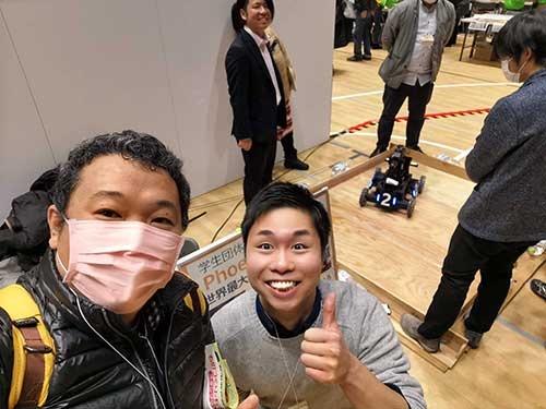 ROBOMASTERに挑む学生団体Phoenixのおぐろしゆう氏。長岡高専専攻科2年で、「小学生のロボットコンテスト」の運営を手伝うなど、他のロボット競技にも多く参加している