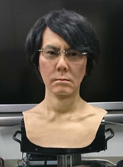 石黒氏にそっくりのロボット(写真:大阪大学)
