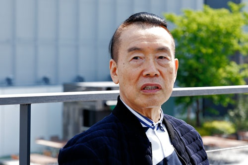 """<span class=""""fontBold"""">中野善壽(なかの・よしひさ)氏</span><br />1944年生まれ。伊勢丹、鈴屋、台湾の百貨店などを経て2011年に寺田倉庫の社長に就任"""