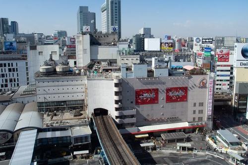 2013年、渋谷ヒカリエから撮影した渋谷駅。まだ東急百貨店東横店東館が残っている(写真:荻窪圭)