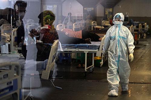 新型コロナウイルスの爆発的な感染拡大に対応するため、ニューデリーに一時的に設けられた医療施設(写真:AFP/アフロ)