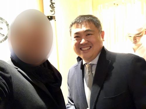 何と、さいとうの店先で食仲間である新濃さんに邂逅。日本人でただ一人オーパス・ワンのアンバサダーを務める大変なお方です。
