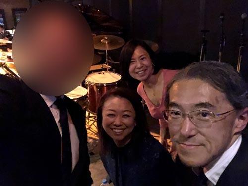 湖中さん。大変お世話になりました。ありがとうございました。2人の女性は一緒に行ったヤリ手の経営者で、古内さんと高橋さんではありません(笑)。
