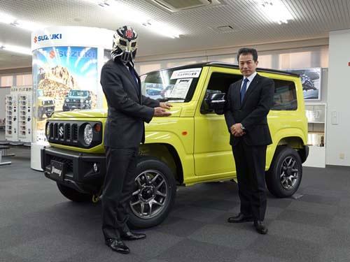 スズキ・ジムニーの開発者、四輪商品第二部チーフエンジニア、米澤宏之課長(右)
