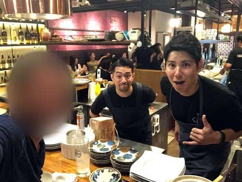 東京で複数の飲食店を経営する石川拓人くん(右)と、足フェチの石川孝平くん。同姓ですが血縁関係はないそうです。