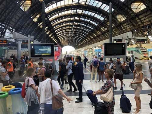ヨーロッパの鉄道はいいですね。新幹線のような速さはありませんが、なんとも言えぬ風情がある。「旅情」という言葉がピッタリです。