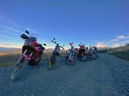 ハスクにベータにハーレーにBMWにホンダにドゥカティにBMW、と大小のバイクで林道を楽しく走ってきました。いやバイクは本当に楽しいです。