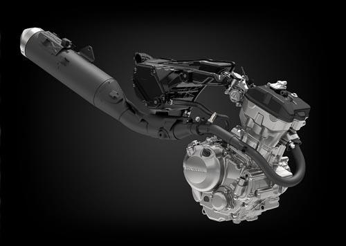 吸排気系が見直され、低中速域でのトルクが太くなったDOHC・249cc単気筒エンジン。
