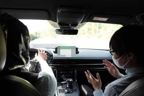 運転しながら「振動を消すことがいかに大切か」を梅津氏から教わる。「せっかくのEVなのにそれをやらな いと○○○になっちゃいます」と。いやサイコーです!