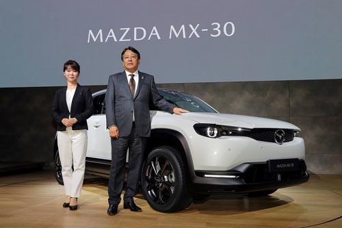 2019年10月に開催された東京モーターショーでワールドプレミアとなったMX-30欧州仕様車(写真:マツダ)
