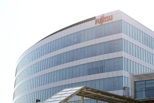 DX企業転換へと変革を進める富士通(写真:アフロ)