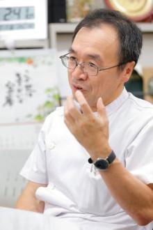日本の痛み治療をリードする経験豊富な医師の牛田享宏さん。