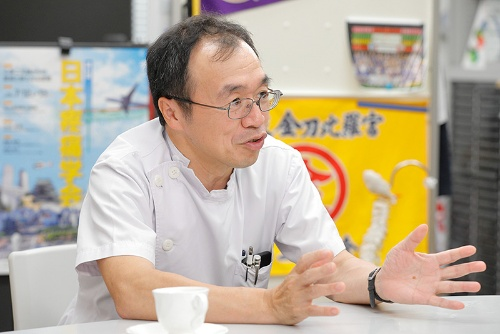 日本の「疼痛医学」を牽引する牛田享宏さん。