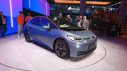 VWグループが発表した初のEV専用車「ID.3」