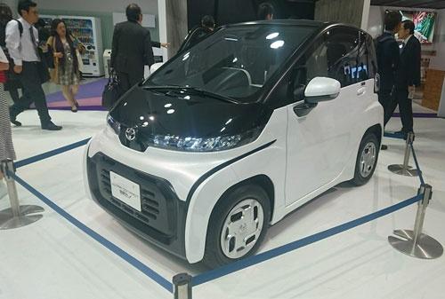 トヨタ自動車が商品化を予定する超小型EV