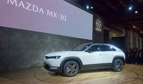 マツダがまず欧州で発売する同社としては初の量産EV「MX-30」