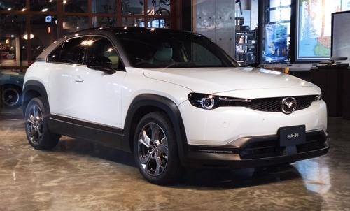 マツダの新型SUV「MX-30」(写真:筆者)