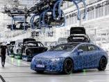 """ダイムラー、BMWに見る""""次世代大画面ディスプレー""""の違い"""