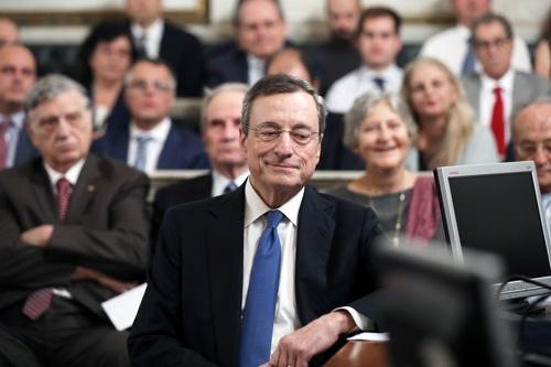 最近のユーロ圏の景気指標は、ECBのドラギ総裁(写真)には追い風(写真:ロイター/アフロ)