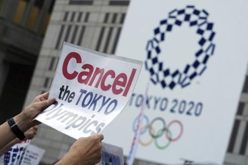 五輪開催に反対するデモも……(写真:AP/アフロ)