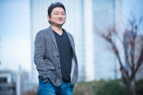 """<span class=""""fontBold"""">リブライト パートナーズ 代表取締役  蛯原 健(えびはら・たけし)氏</span><br> 1994年、横浜国立大学経済学部卒業。日本合同ファイナンス(現JAFCO)に入社し、ベンチャーキャピタル及びスタートアップ経営に携わる。2008年にリブライト パートナーズを設立し、スタートアップ投資・育成事業を行う。2010年よりシンガポールに事業拠点を移し、東南アジア新興国での投資事業を本格化。2014年からインド・バンガロールにも常設チームを置く。現在はシンガポールを拠点に、アジア各国のテクノロジー・スタートアップへ投資・育成するベンチャーキャピタルファンドを運用する。日本証券アナリスト協会検定会員CMA。取材時、47歳。シンガポール在住。元公務員で専業主婦の妻、10歳の長女、5歳の長男の4人暮らし。(取材日/2018年12月26日、撮影/洞澤佐智子)"""