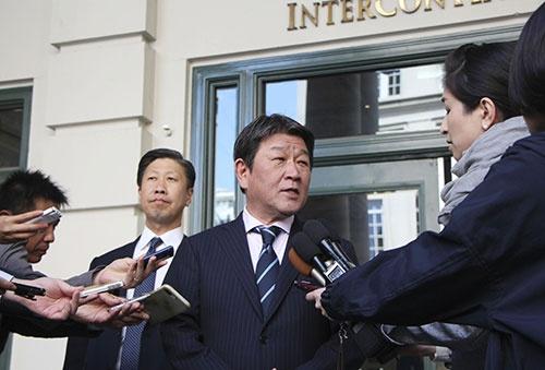 日米貿易協議に挑む茂木経済財政・再生大臣(写真=共同通信)