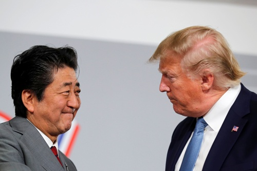 8月25日に仏ビアリッツで開催された日米首脳会談で日米貿易協定は基本合意したが……(写真:ロイター/アフロ)