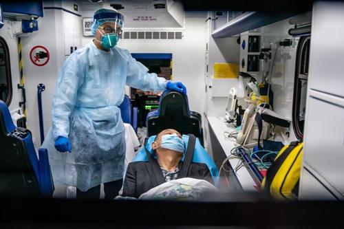 1月22日には香港のプリンセス・マーガレット病院に感染者が運び込まれた(写真:Anthony Kwan / Getty Images)