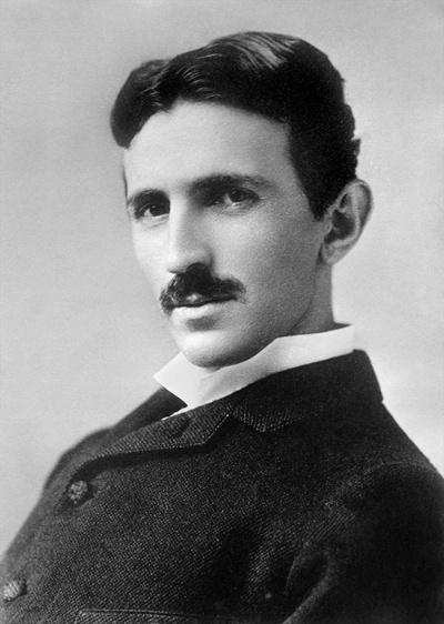 ニコラ・テスラ(1856-1943)。電気自動車のテスラの社名は、創業者のイーロン・マスクが天才科学者テスラのファンだったことに由来する(写真=GRANGER.COM/アフロ)